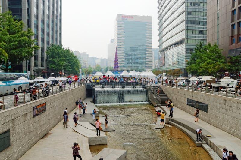 Corriente de Cheonggyecheon en Seul, Corea del Sur fotos de archivo libres de regalías