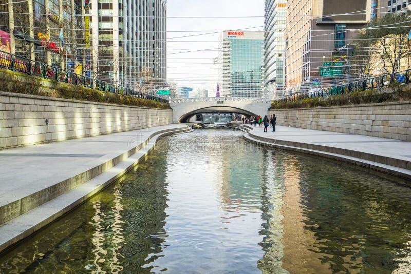 Corriente de Cheonggyecheon en Seul, Corea del Sur fotografía de archivo libre de regalías