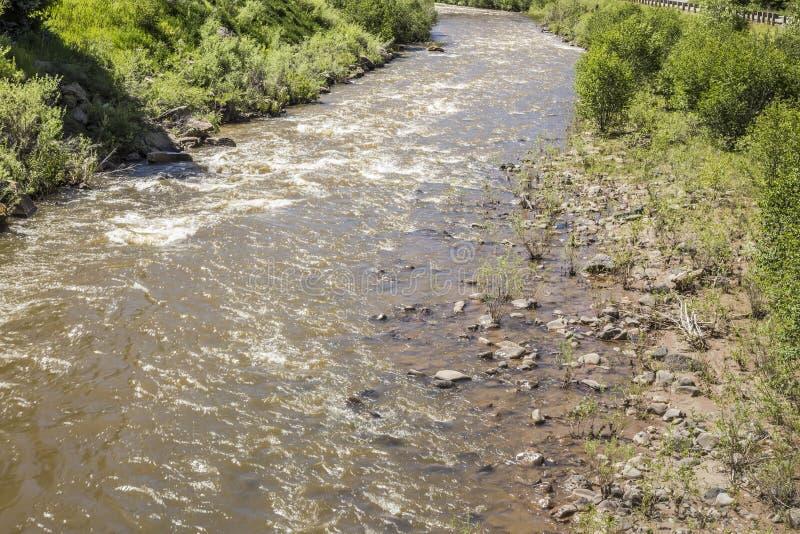 Corriente rápida del río de Gunnison en el parque de estado de Paonia, Colorado fotos de archivo libres de regalías