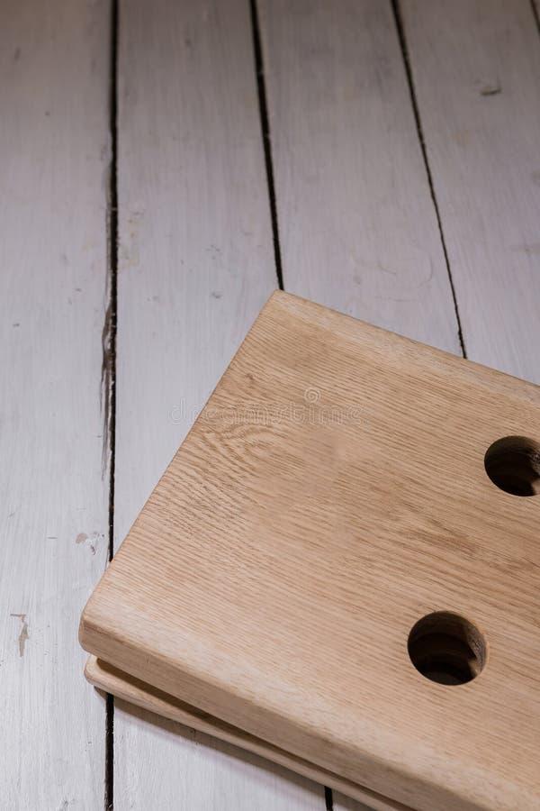 Corrisponda a vino da legno nello stile del sottotetto fotografie stock libere da diritti