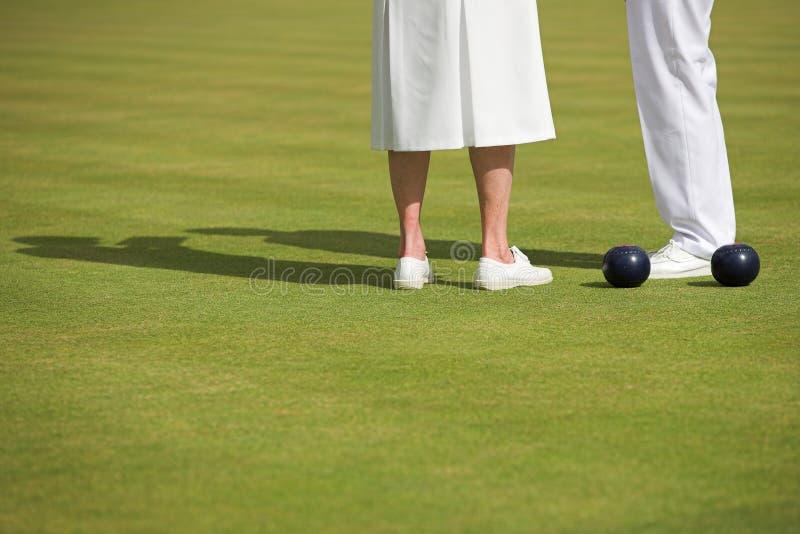 Corrispondenza di bowling di prato inglese delle signore fotografia stock