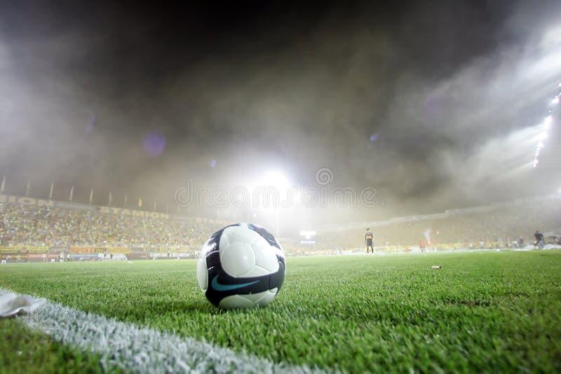 Corrispondenza di gioco del calcio fra Aris ed i junior di Boca fotografia stock libera da diritti