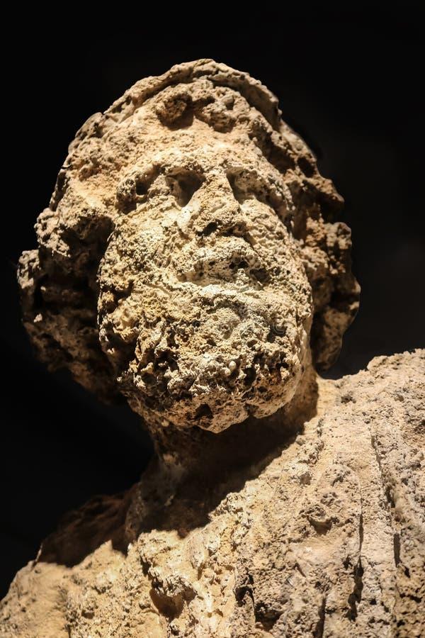 Corroeu realmente a cabeça de Poseidon - o deus das tempestades dos terremotos do mar, e os cavalos - que era subaquático por mui foto de stock royalty free