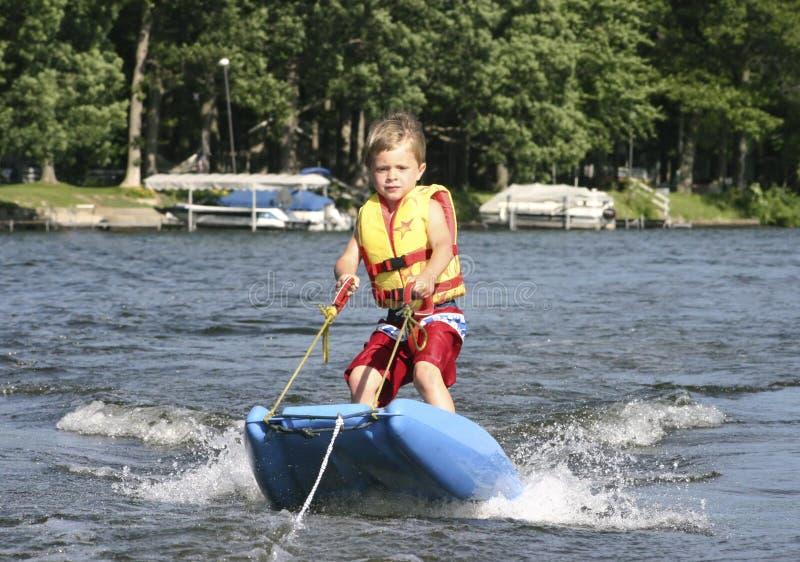 Corsa con gli sci di acqua fotografia stock libera da diritti