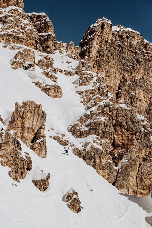 Corsa con gli sci Tofana nel ` Ampezzo della cortina D nell'inverno fotografia stock