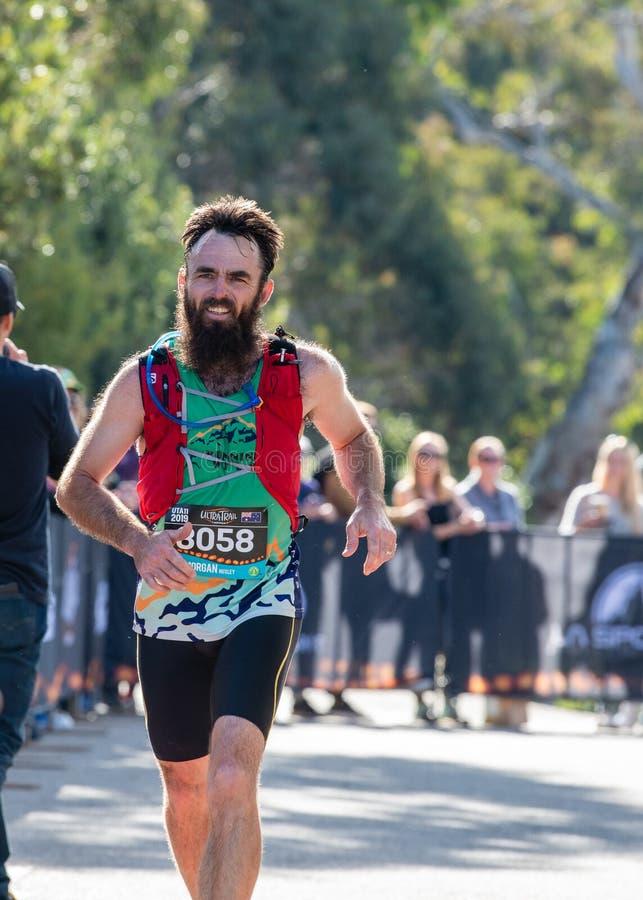 Corsa dell'Australia UTA11 della Ultra-traccia Corridore Morgan Huxley all'arrivo fotografia stock libera da diritti