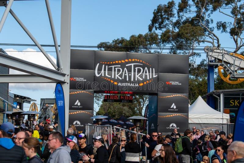 Corsa dell'Australia UTA11 della Ultra-traccia Folle all'arrivo fotografia stock