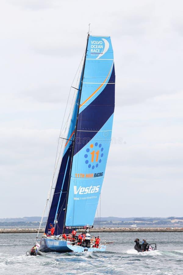 Corsa dell'oceano di Volvo con l'undicesimo yacht di corsa di ora di Vestas nel porto di Aarhus in Danimarca fotografie stock