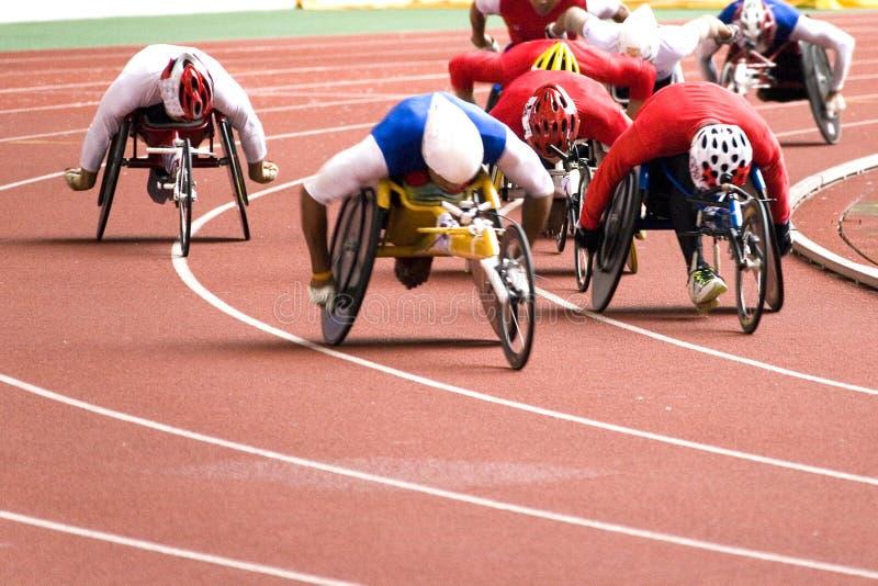 Corsa della presidenza di rotella per le persone invalide fotografie stock
