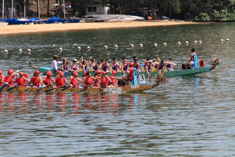 Corsa di barca del drago della baia di scoperta 2014 fotografia stock