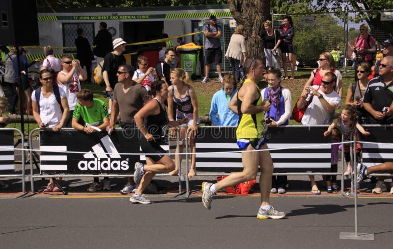 Corsa di esecuzione di maratona fotografia stock libera da diritti