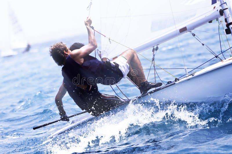 Corsa di yacht in un mar Mediterraneo immagine stock libera da diritti