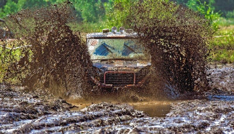 Corsa fuori strada della jeep fotografia stock libera da diritti