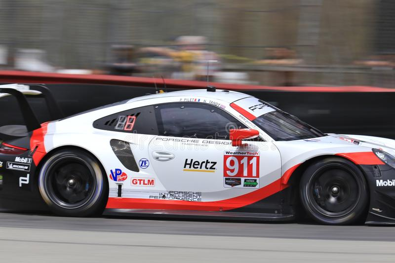 Corsa professionale di Porsche 911 RSR immagine stock