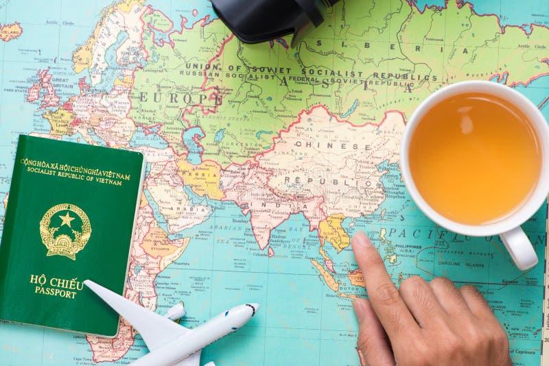 Corsa viaggio Vacanza - vista superiore dell'aeroplano, macchina fotografica, passaporto immagini stock libere da diritti
