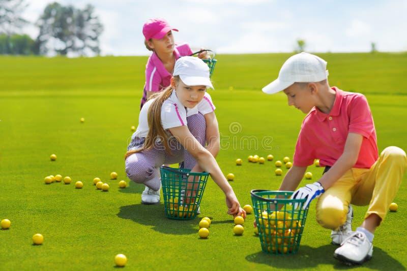 Corsi estivi di golf fotografie stock