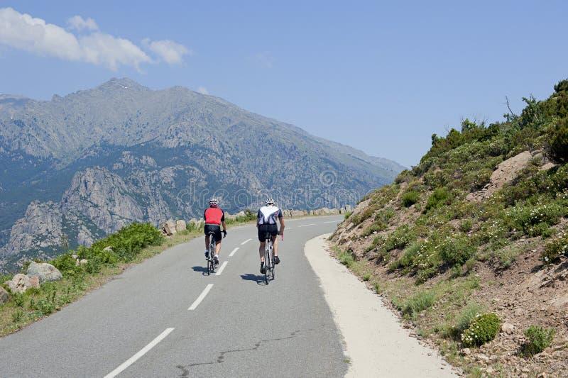 corsica cyklistów France góry droga zdjęcia stock