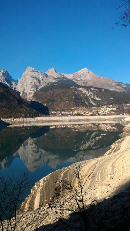 corsica góry creno de France lac jeziorne halne góry obraz royalty free