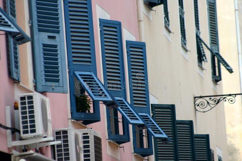 Corsicaanse huizen en gebouwen stock afbeeldingen
