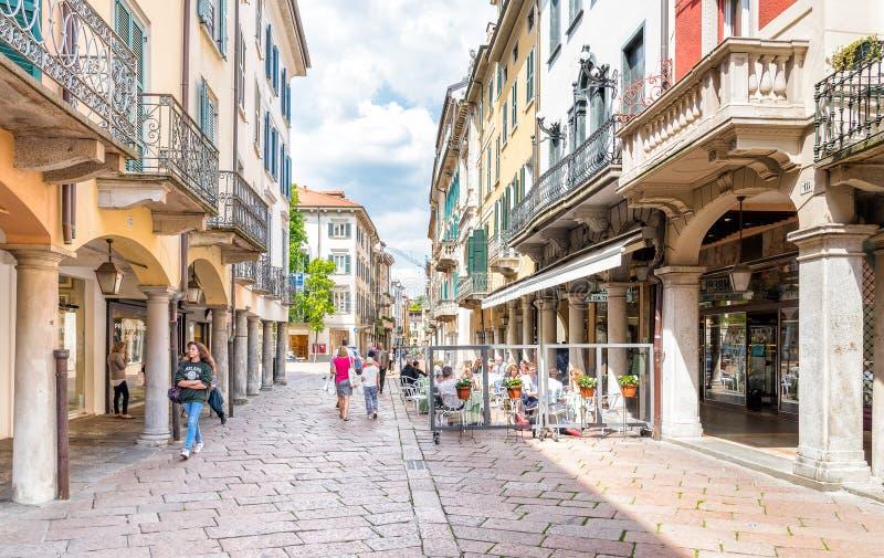 Varese Italien corso matteotti hjärtan av mitten av varese italien redaktionell