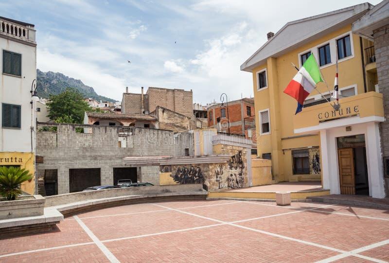 Corso Vittorio Emanuele II, piazza Moro Oliena, Nuoro, Sardegna, Italia immagine stock