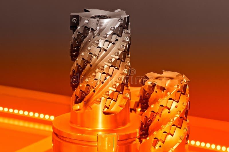 Cortadores industriales modernos Herramientas de corte imagen de archivo
