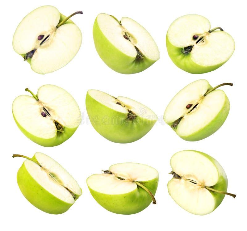 Cortar manzana verde sobre fondo blanco imagen de archivo