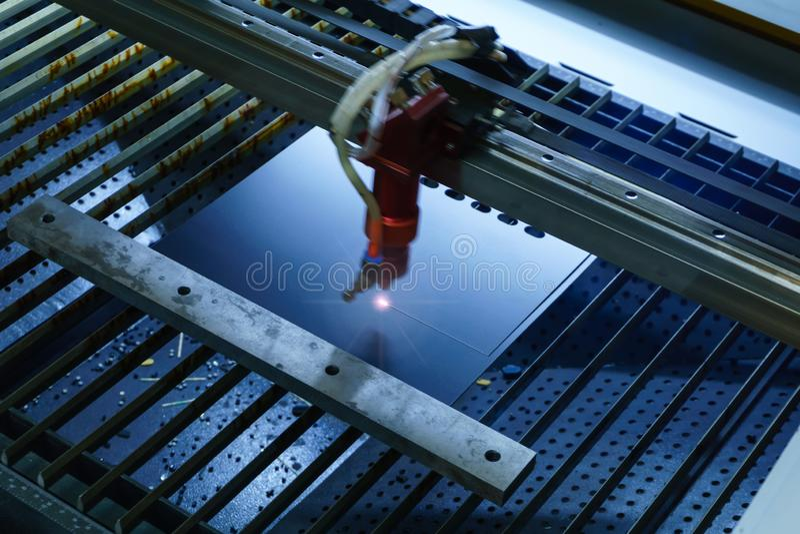 Corte automático do laser fotos de stock royalty free