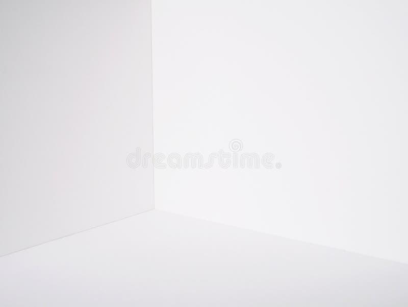 Corte branco do modelo da caixa de papel do canto da sala da parede foto de stock royalty free
