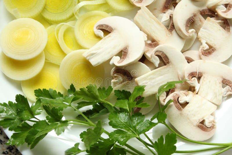 Download Cogumelos, Alho-porro E Salsa Foto de Stock - Imagem de fatia, alimento: 29834536