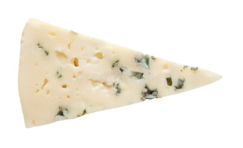 Corte de la rebanada del queso verde aislado en el fondo blanco con la trayectoria de recortes fotografía de archivo
