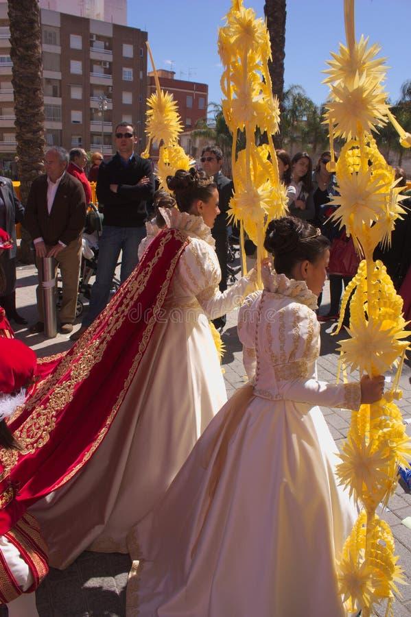 Corte de la reina por un día el domingo de la resurrección de la semana santa imagenes de archivo