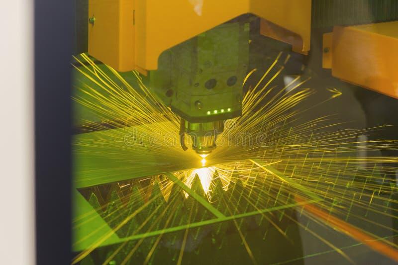 Corte del laser del CNC del metal foto de archivo libre de regalías