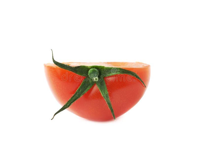 Corte do tomate ao meio isolado foto de stock royalty free