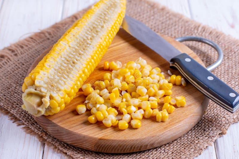 Corte a grão do milho fotos de stock