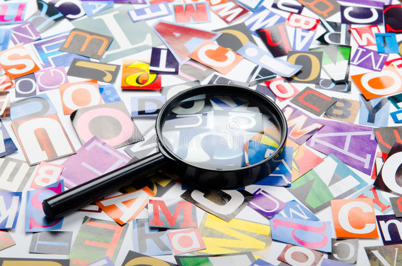 Corte las cartas de los periódicos imagen de archivo libre de regalías
