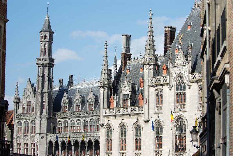 Corte provinciale neogotica a Bruges. (Il Belgio) immagine stock
