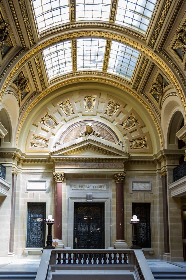 Corte suprema dentro la costruzione del capitol a Madison, Wisconsin immagini stock