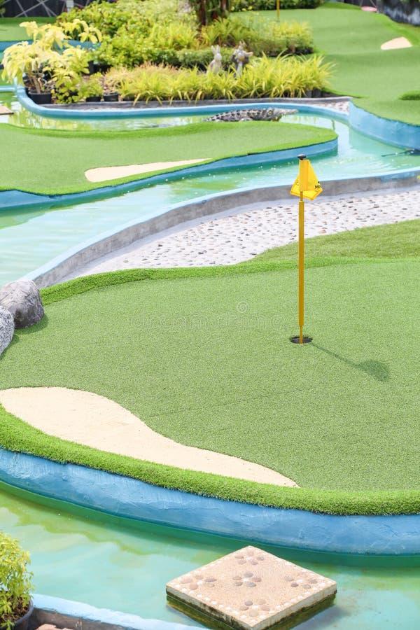 Corte verde del golf e imagen de archivo libre de regalías