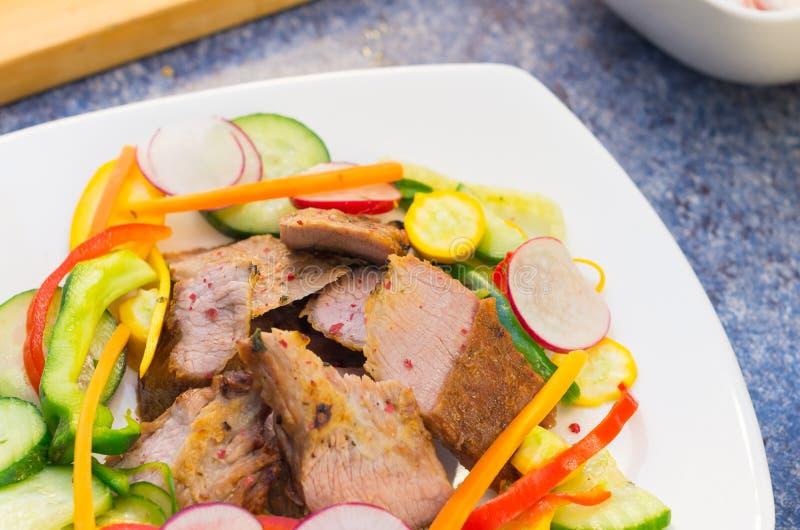 Cortes deliciosos do acém cozinhados à perfeição foto de stock