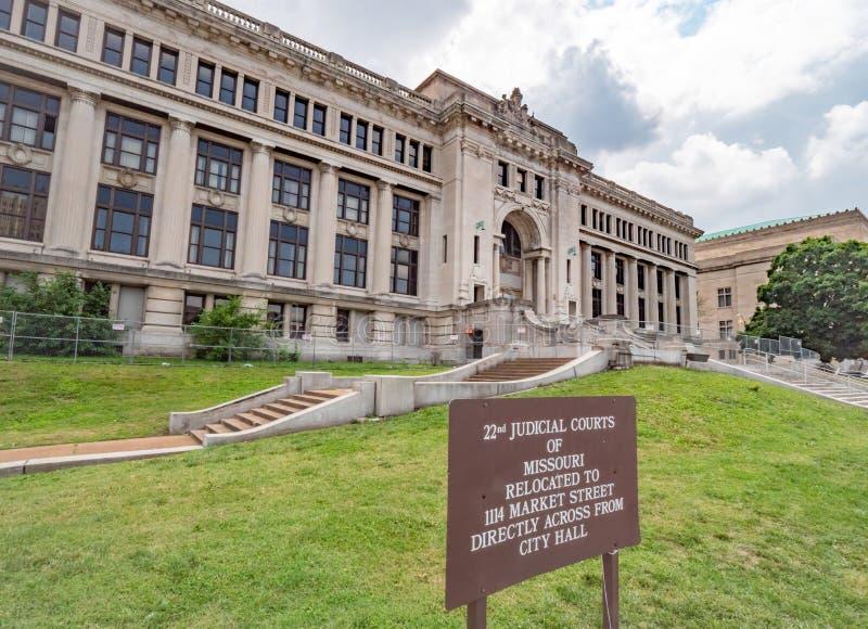 Cortes judiciales de Missouri en St. Louis - ST LOUIS, LOS E.E.U.U. - 19 DE JUNIO DE 2019 imagen de archivo