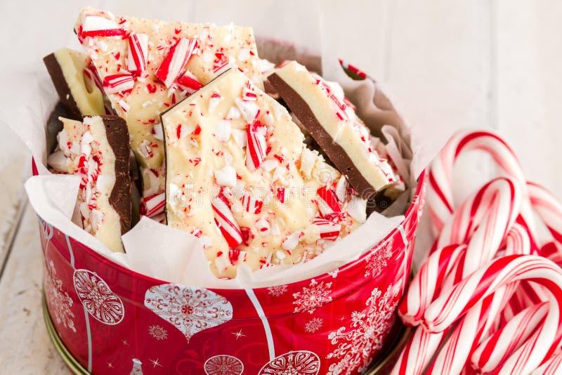 Corteza tradicional de la hierbabuena del chocolate del día de fiesta fotografía de archivo libre de regalías