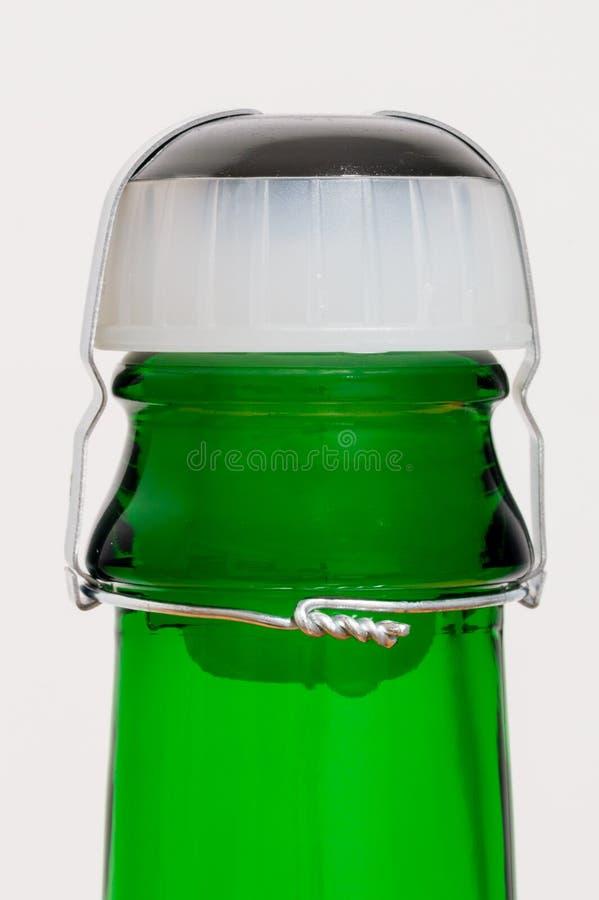 Cortiça plástica da garrafa de vinho espumante fotografia de stock royalty free