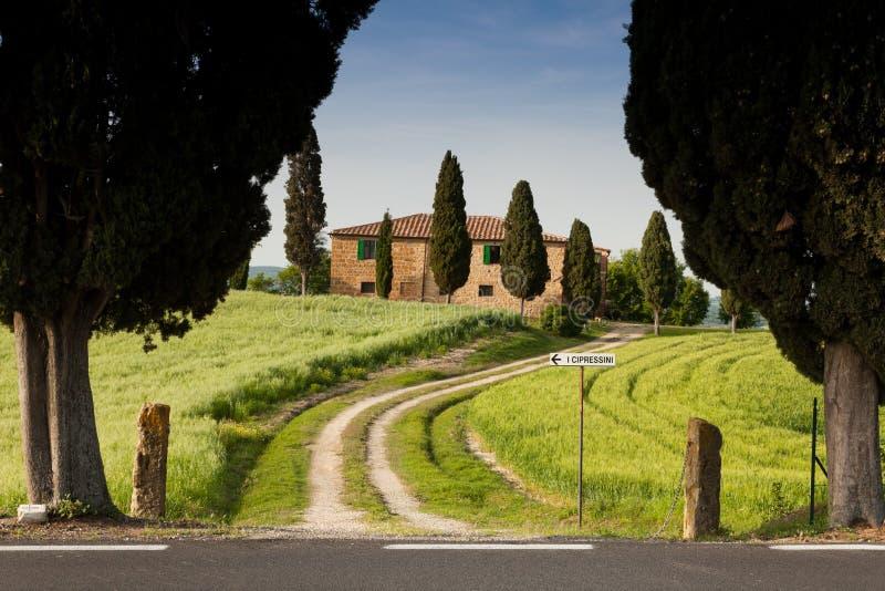 Cortijo en Toscana cerca de Pienza, Italia imagen de archivo