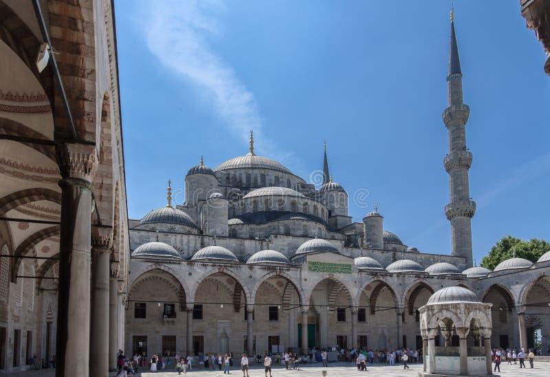 Cortile blu Costantinopoli della moschea fotografia stock