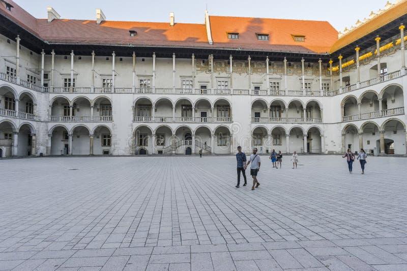 Cortile del castello di Wawel fotografie stock libere da diritti
