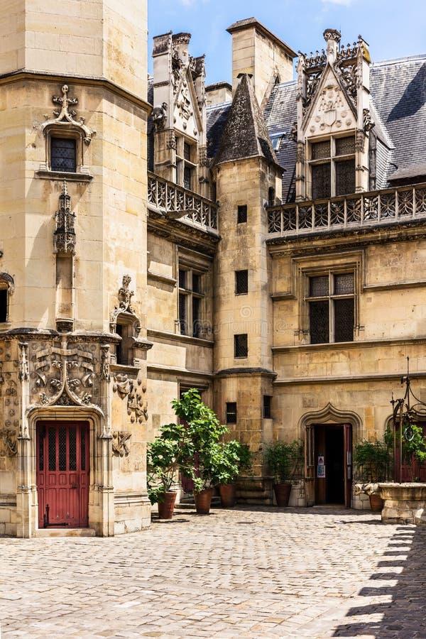 Cortile del museo Musee de Cluny di Cluny Parigi, Francia fotografie stock libere da diritti