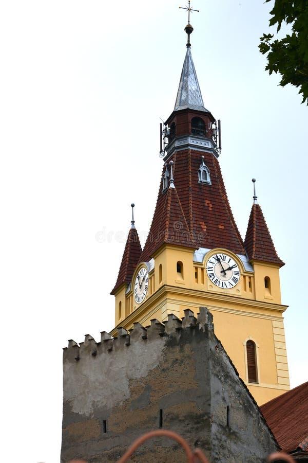 Cortile della chiesa fortificata medievale Cristian, la Transilvania immagini stock libere da diritti