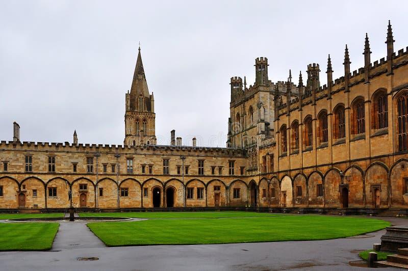 Cortile della costruzione dell'università di Oxford, Regno Unito immagine stock libera da diritti