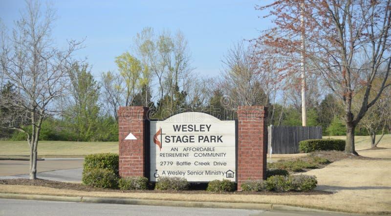 Cortile di Wesley Stage Park Retirement Community, Memphis, TN immagini stock libere da diritti
